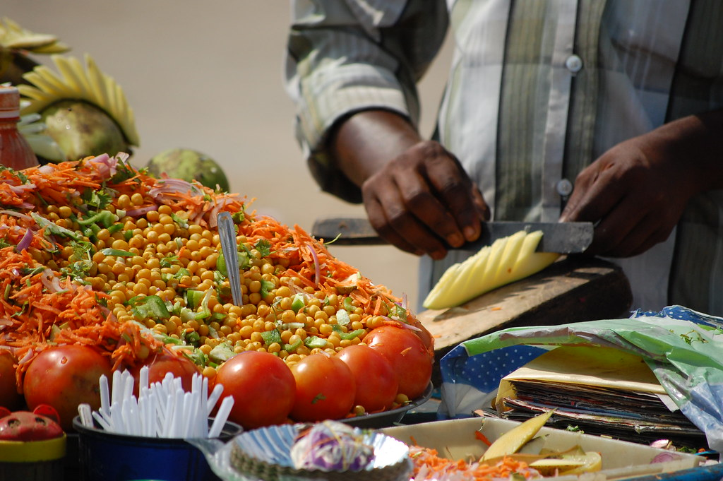 Traveling to India – Eating Healthy Food and Drinking Safe Water