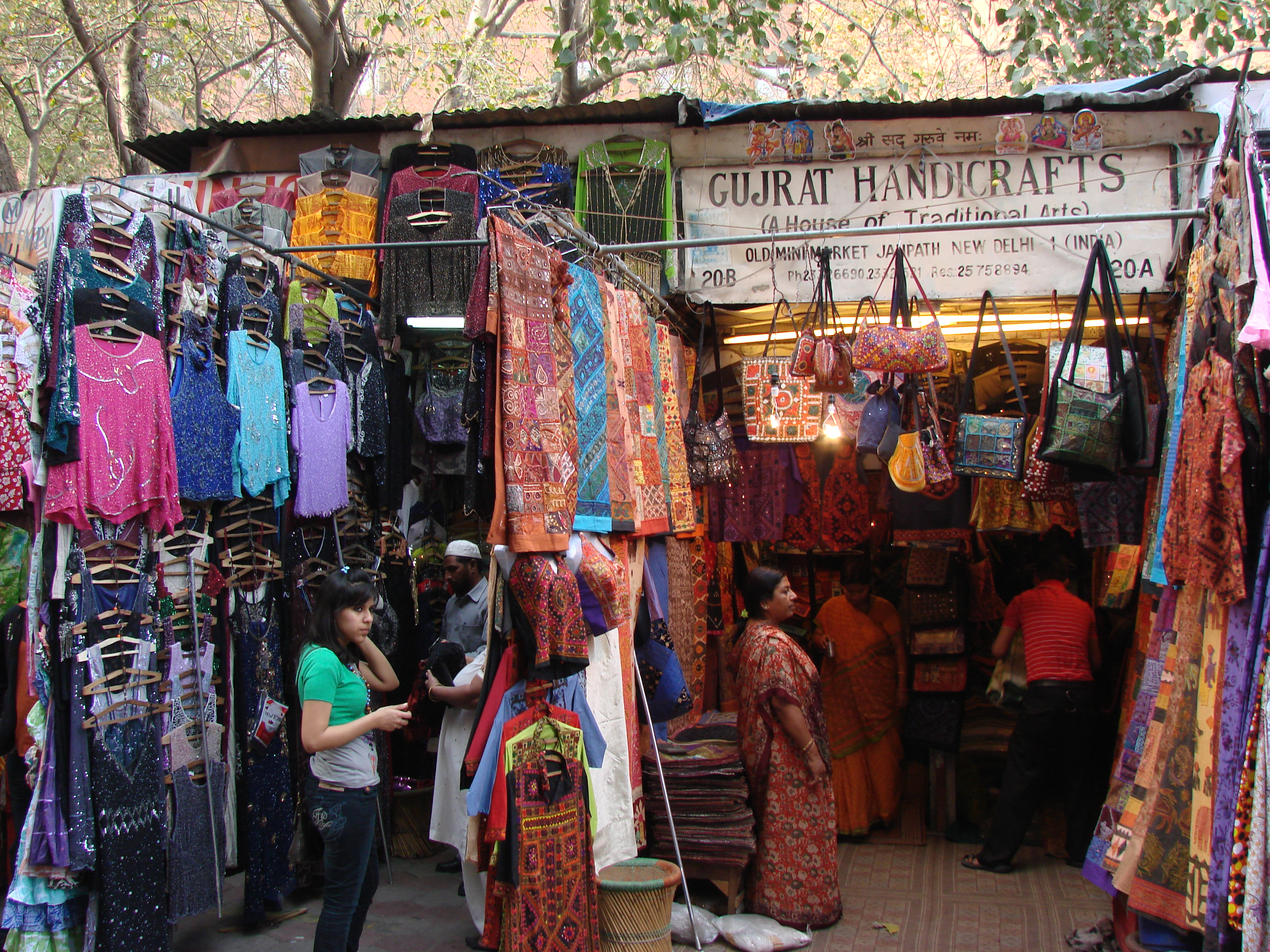 How to Bargain with Street Vendors in India | Entry India